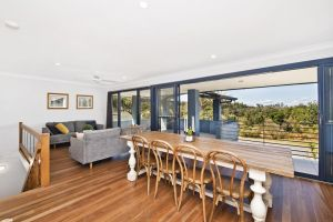 143 Matthew Flinders Drive Port Macquarie - Accommodation Broken Hill