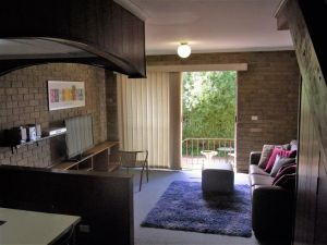 A Furnished Townhouse in Goulburn - Accommodation Broken Hill
